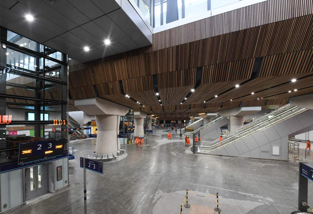 London Bridge is open! Final section of massive new concourse and five new platforms open to the public as historic redevelopment begins countdown to completion
